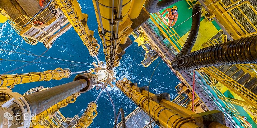 超深水油田立管系统设计